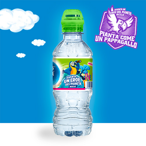 Pianta come un Pappagallo con l'Acqua Nestlé Vera for Kids